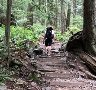 Grouse Mountain hoch wandern