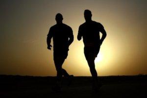 Sport gegen Liebeskummer – warum Bewegung die beste Medizin ist